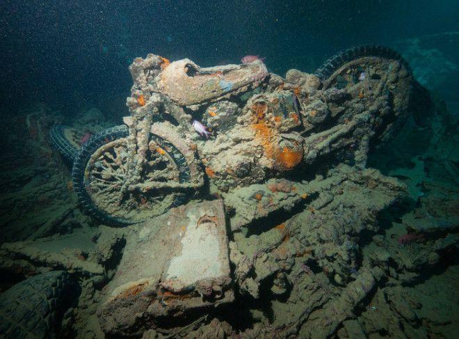 Мотоцикл под водой