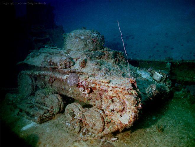 Потонувший танк