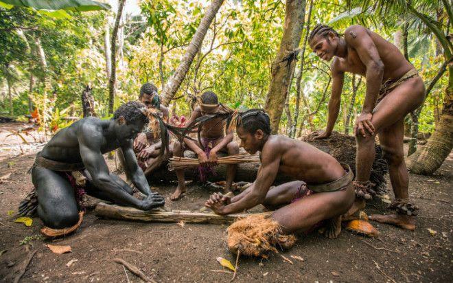 Так многие племена добывают огоньФото wwwmottonetua