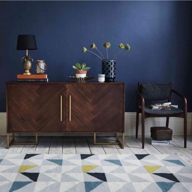 В моде мебель из тёмного дерева