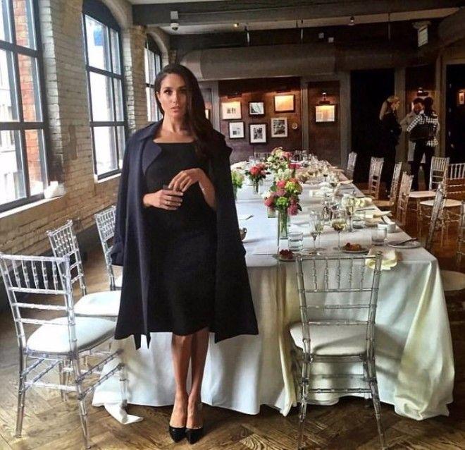 Меган часто публиковала фотографии в нарядах которые выбирала для выхода в свет