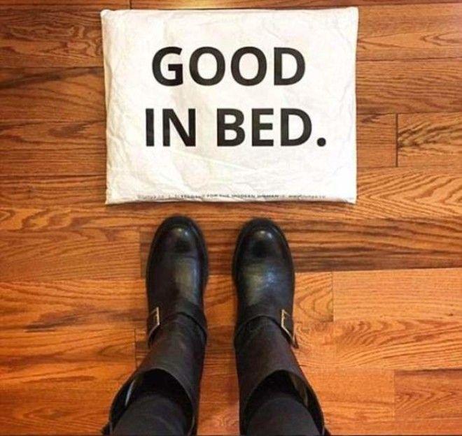 Пост с благодарностью фирме приславшей сапоги в упаковке с надписью Хороша в постели
