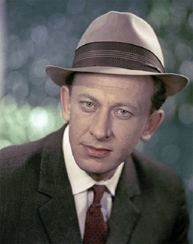 Гениальный и разноплановый актёр снялся в фильмах Гардемарины вперёд Бег Демидовы Семнадцать мгновений весны Собачье сердц