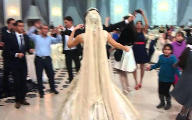SБудь моей крошкой во сколько лет в мире можно жениться