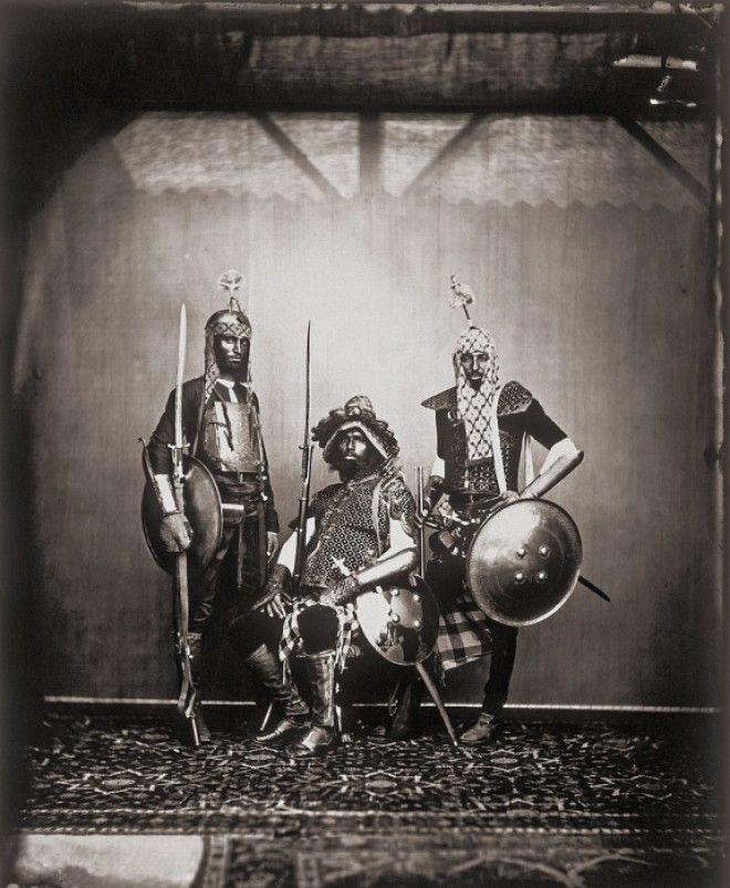 Махараджа с огромным удовольствием фотографировал своих придворных Джайпур примерно 1857 год