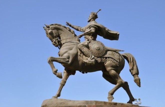 Современный памятник Тамерлану