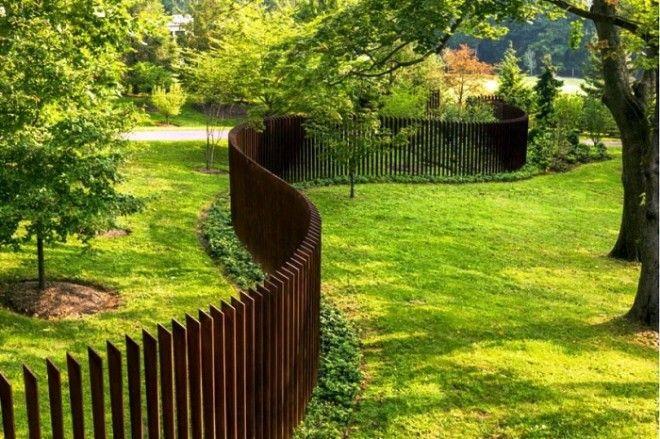 Вы можете сделать забор из дерева или металла Сделайте его одноуровневым волнами Воплощайте свои мечты и фантазии