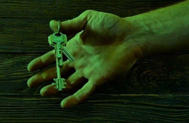 Выступающий ключ легко найти даже в кромешной темноте