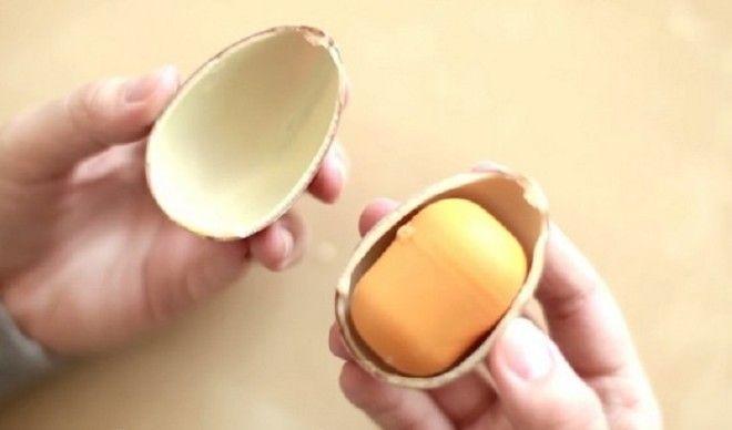 Как положить в киндер сюрприз свой подарок не сломав яйцо