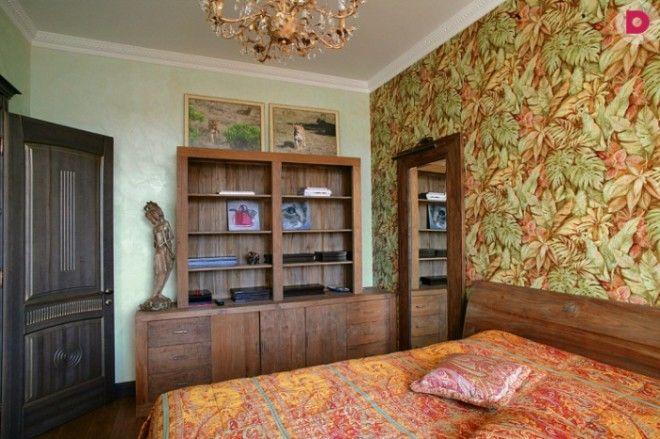 Узоры на стенах покрывале подушке и на картинах явный перебор