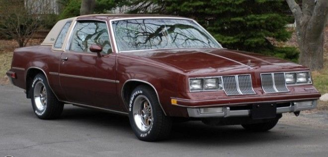 Oldsmobile Cutlass Supreme 1982 года