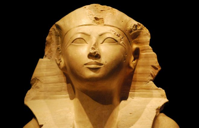 Начиная ещё с первой династии к власти в Древнем Египте время от времени приходили женщины