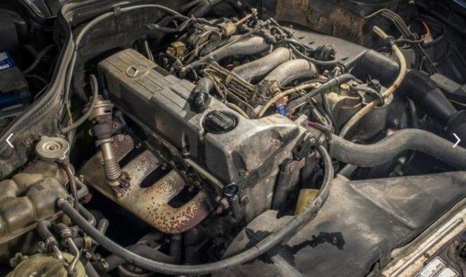 Движок автомобилямиллионера MercedesBenz