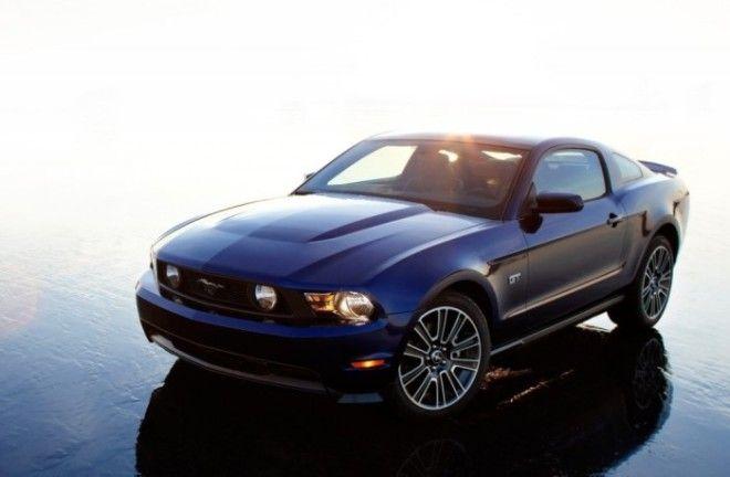 Купе и кабриолеты Ford Mustang GT пятого поколения выпускались с 2005 по 2014 гг Фото cheatsheetcom