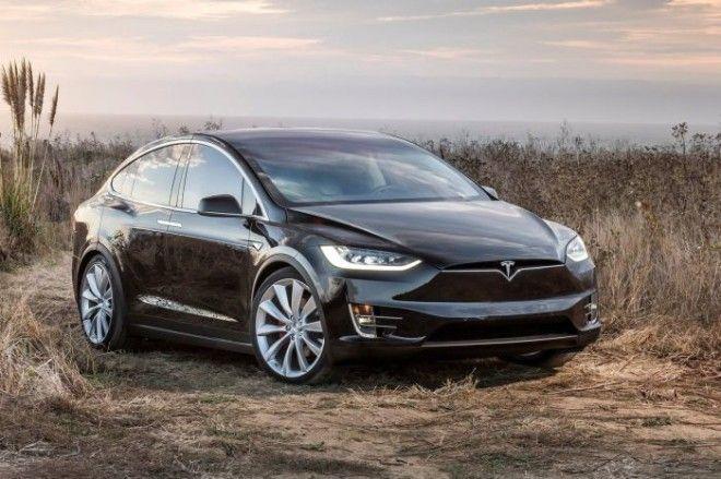 Один из самых перспективных кроссоверов наших дней Tesla Model X до сих пор постоянно ломается Фото teslamodelxinfocarua