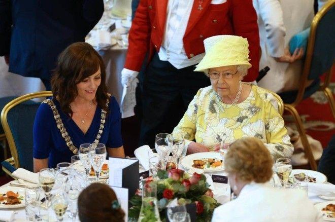 S5 странных правил королевской семьи способных удивить простого обывателя