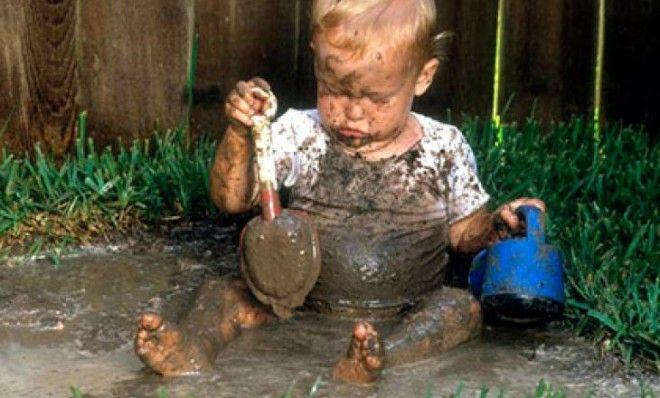 Картинки по запросу ребенок в грязи