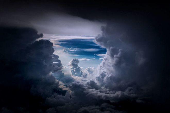 Можно только догадываться какие эмоции испытывают пилоты наблюдая такую красоту