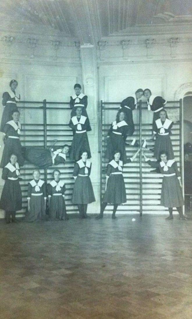 Вот как выглядели восьмиклассницы раньше и сейчас