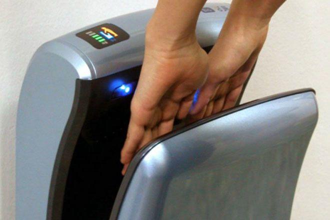 SВрачи никогда не пользуются сушилками в общественных туалетах Вот почему