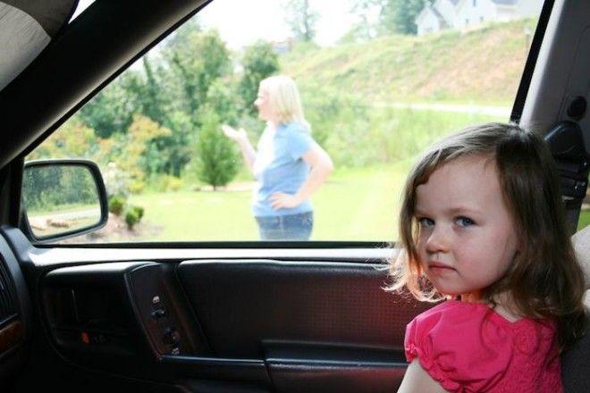 Автомобиль таит массу опасностей для ребёнка