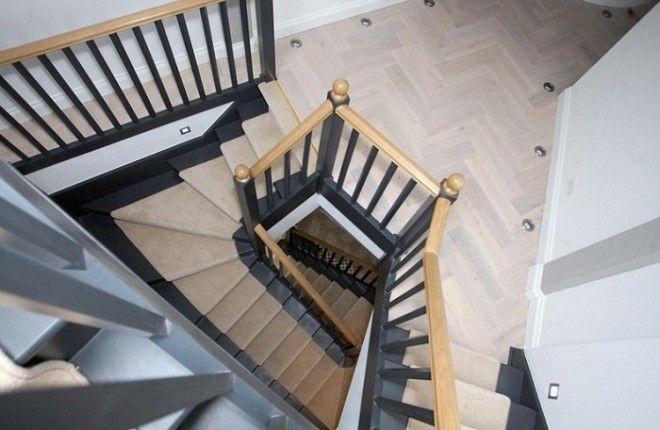 Лестница в домебашне