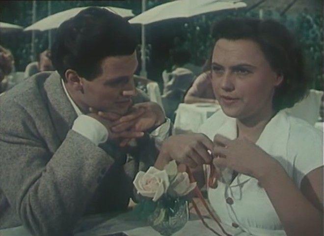 Первая роль Александра Ширвиндта в кино – фильм «Она вас любит» (1956)