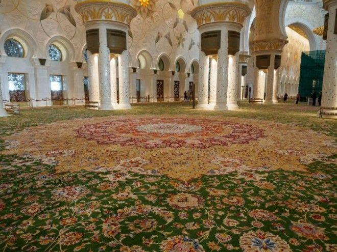 Самый большой в мире ковёр Фото wwwimgurcom