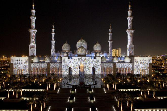 Мечеть шейха Зайда особенно хороша в вечернее время Фото wwwzabronru