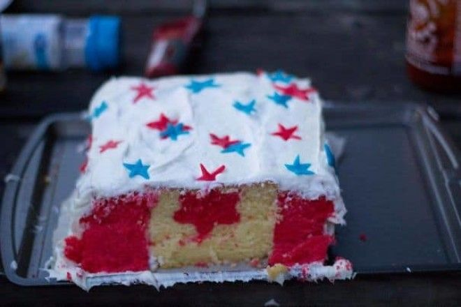I Made A Cake For A Fourth Of July Party But, As A Canadian, I Couldn