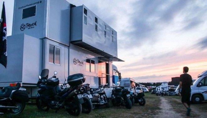Truck Surf Hotel с 2017 года путешествует по миру в компании единомышленников