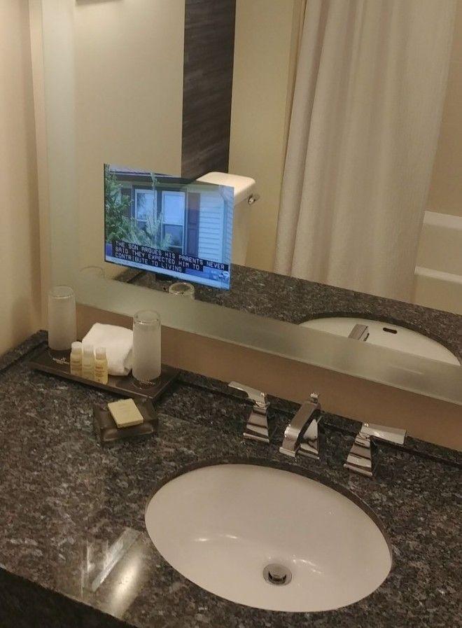 4. В отеле установлен телевизор в ванной комнате дизайн, идеи для дома, интерьер, крутые идеи, фото