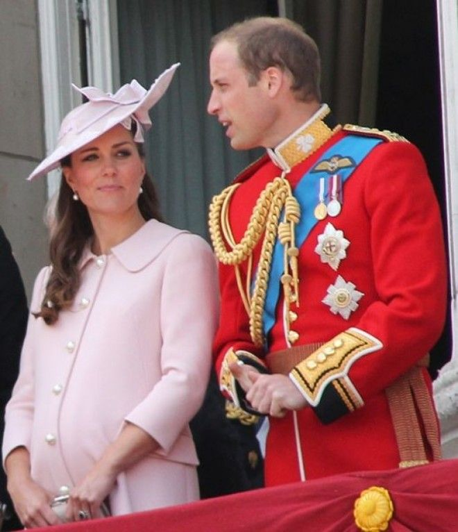 https://files.adme.ru/files/news/part_165/1650565/8336165-517px-Duchess_and_Duke_of_Cambridge-2-1511113361-650-b354c1d00a-1513685244.jpg