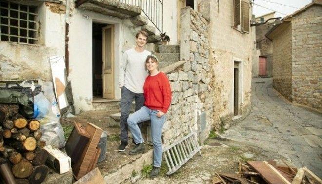 Эта молодая пара приступила к реконструкции приобретенного дома за 1 евро