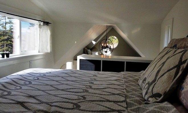 Вполне просторная и комфортная спальня и зона отдыха в Esket Sqlelten