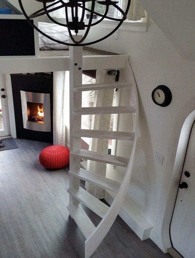 Оформили уютную гостиную с камином