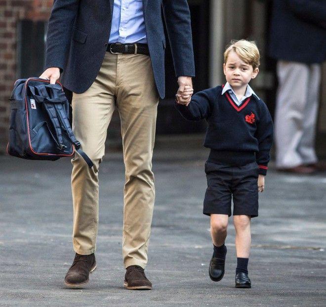 S12 неожиданных фотографий о простой жизни британской королевской семьи