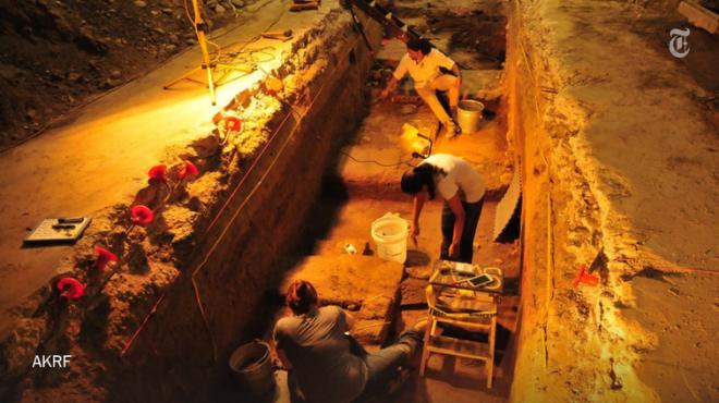 зубы в стене строители нашли зубы в стене откуда зубы в стене 1000 зубов в стене