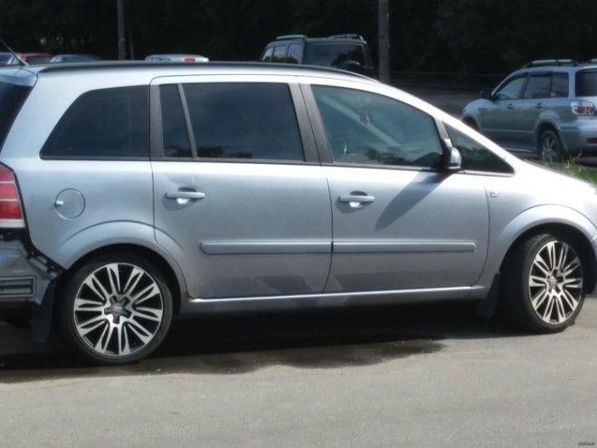 На больших семейных автомобилях низкопрофильные покрышки выглядят как нечто чужеродное Фото pikaburu