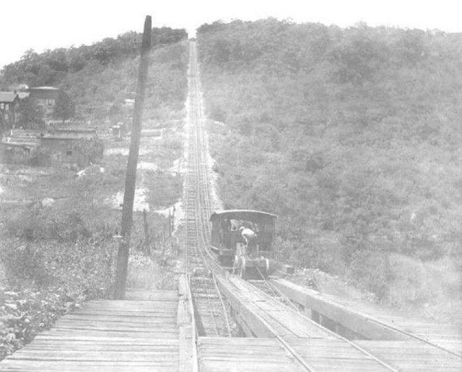 Вагонетка на дороге угольной шахты в МаучЧанк