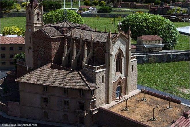 Каталония в миниатюре, Испания