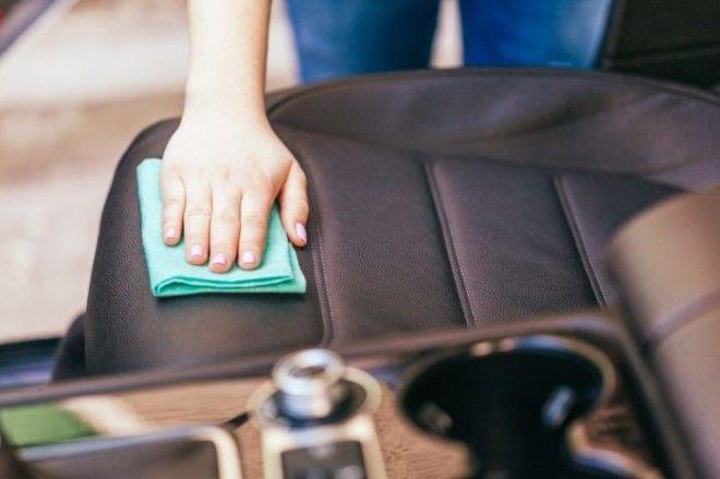 Если не забывать о качественной уборке в авто будет значительно комфортнее Фото simplemostcom