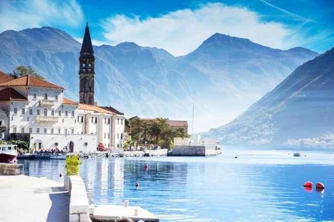 Старинный город Пераст на побережье БокоКоторской бухты в Черногории