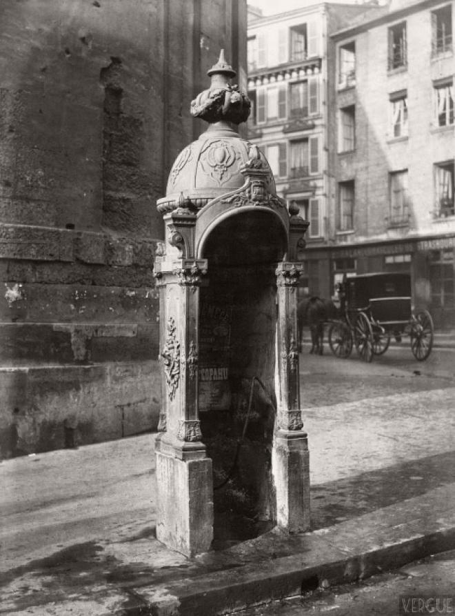 6 фото парижских писсуаров 19 века которые практически ничего не прикрывали