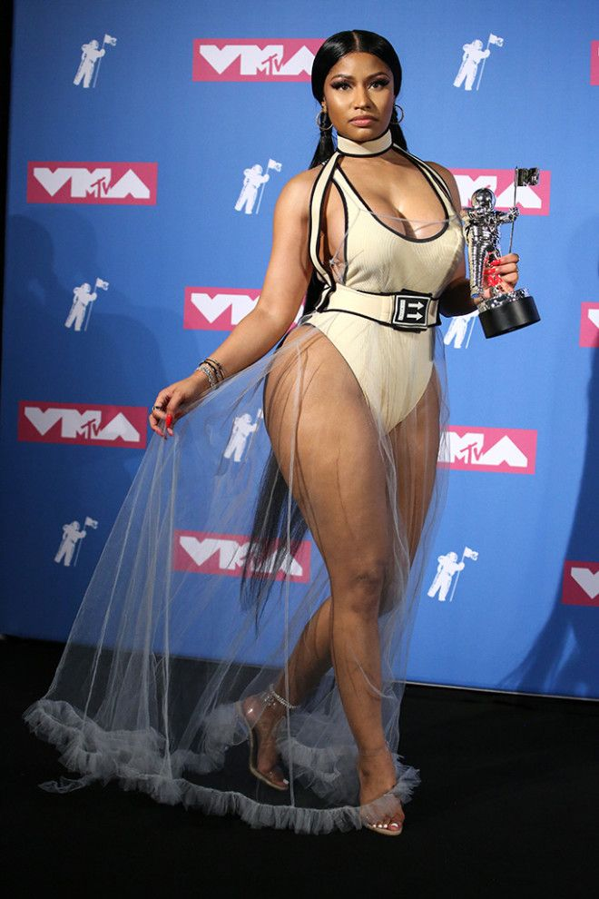 23Куда смотрит ее стилист 16 самых вульгарных платьев Ники Минаж