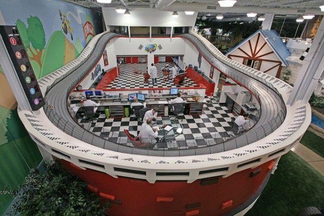 Мужская часть офиса компании Invention Land в Питсбурге Штат Пенсильвания США Фото allthatsinterestingcom