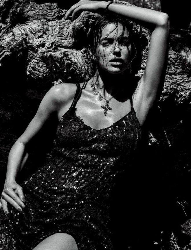 23ишком горячоПровокационная фотосессия Ирины Шейк в образе Моники Беллуччи