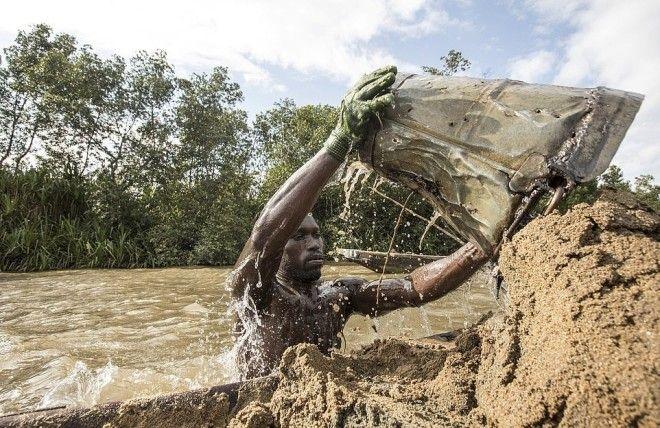 S5 фото мускулистых камерунцев которые каждый день рискуют жизнью на работе