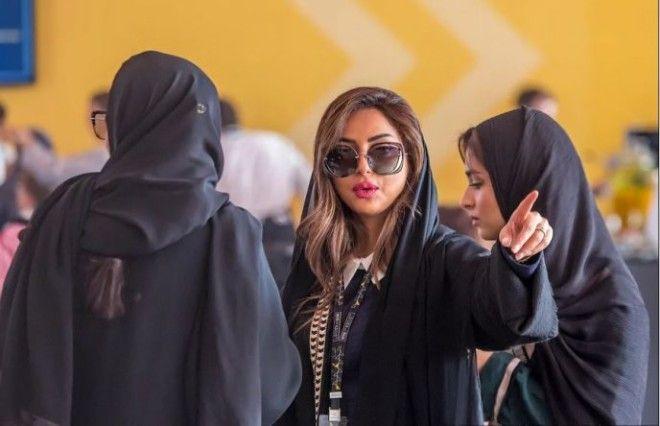 SКак выглядят саудовские девушки без черных одеяний