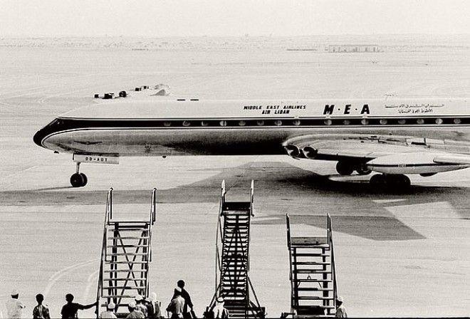 Первым самолетом, приземлившимся в аэропорте Дубая, был Comet из Middle East Airlines в 1965 году